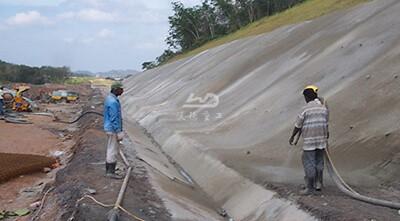 Concrete wet spraying in shotcrete construction