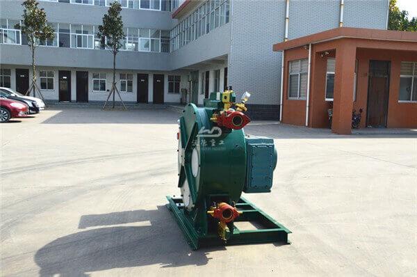 Peristaltic hose pumps for slurry