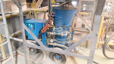 Refractory gunning machine working site