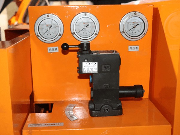 The hand valve for hydraulic clamp