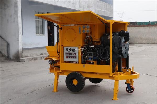 Portable diesel concrete pump