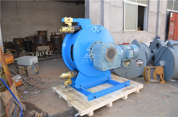 Peristaltic pump for CLC foam concrete
